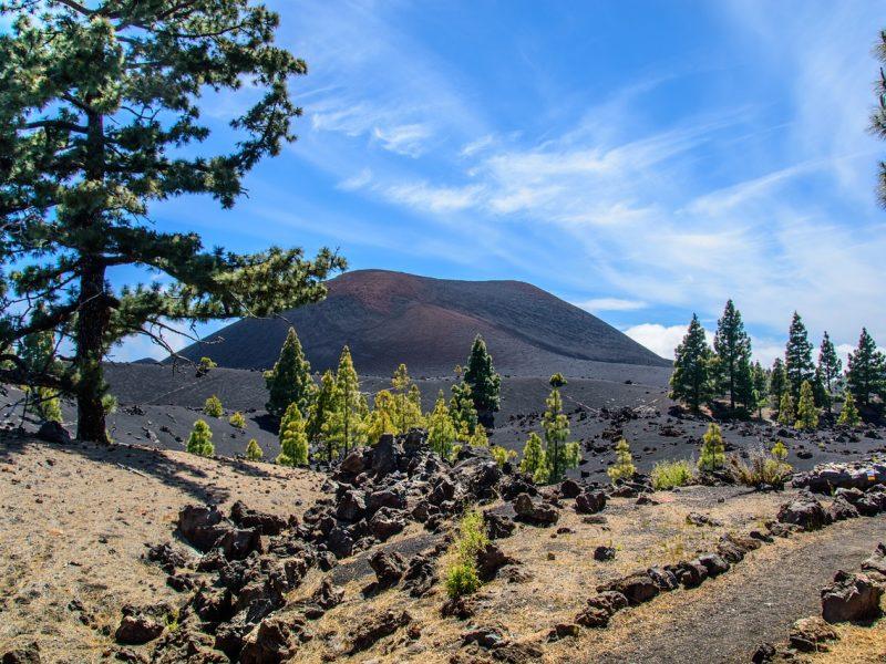 volcano-1413283_1280